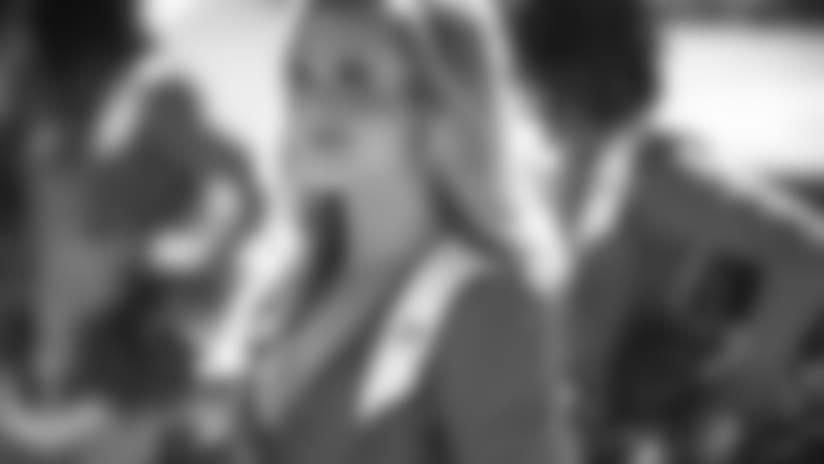 Cheerleader Profile: Lauren