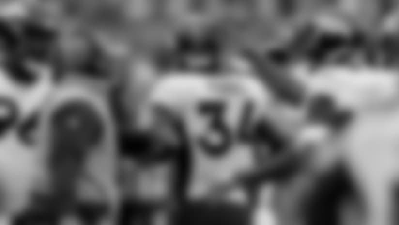 In-game photos: Broncos at Redskins