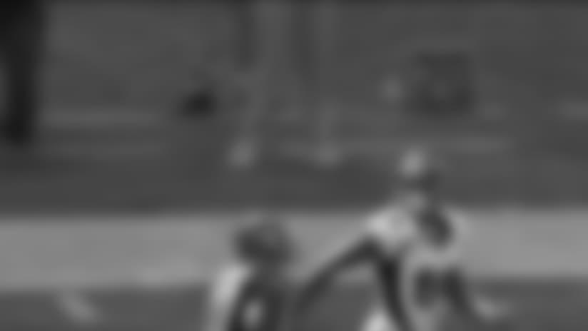 Thomas hauls in a 55-yard TD pass