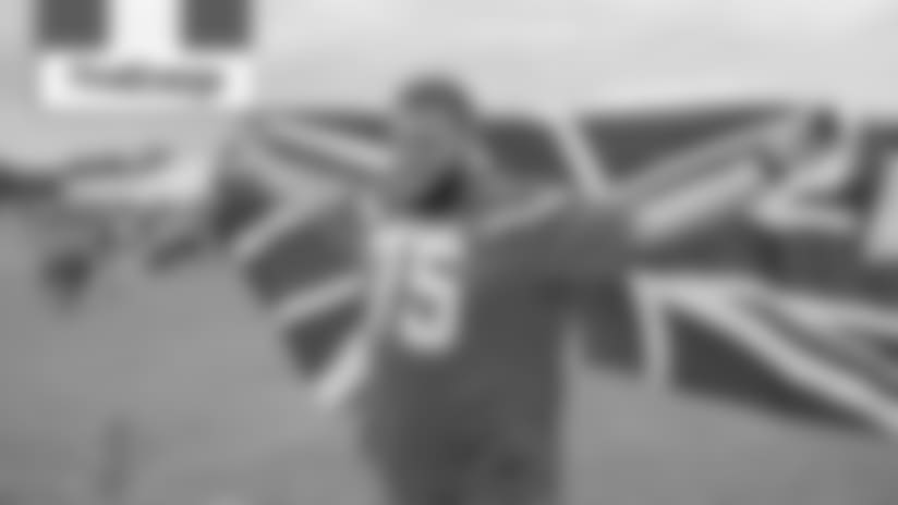 Joel Bitonio visits the United Kingdom