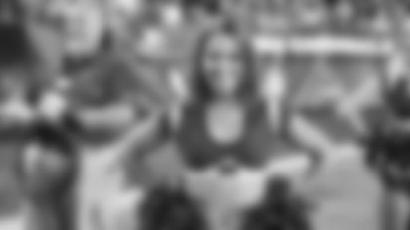 Cheerleader Spotlight: Kayla