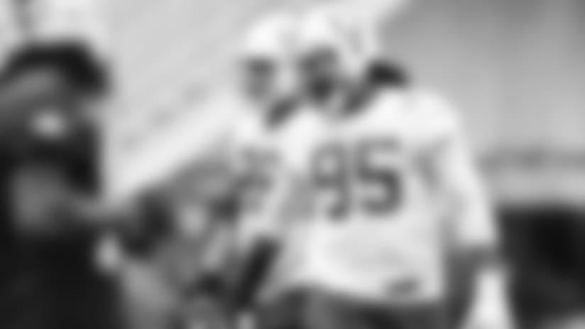 Denico Autry Shows Off Versatility For Colts' Defensive Line