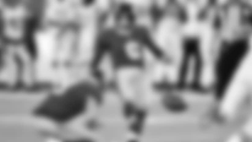 Cowboys cortan a Damontre' Moore y firman nuevo pateador