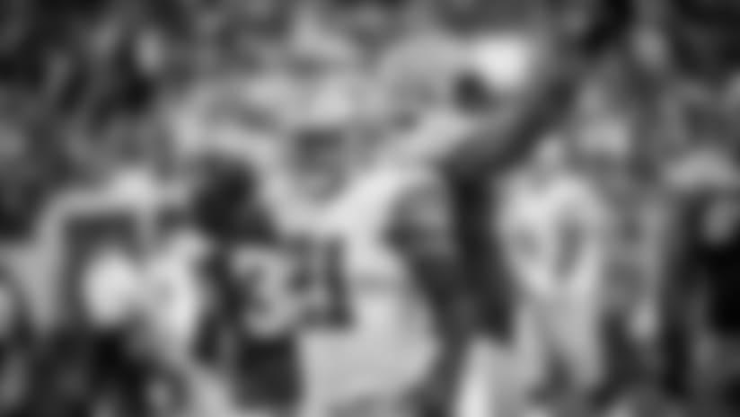 "RB Coach Wants Zeke Thinking ""Landmarks,"" Not Records"