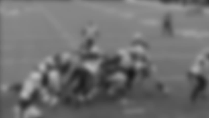 Jacksonville Jaguars running back Leonard Fournette HAMMERS through New England Patriots D for 4-yard TD