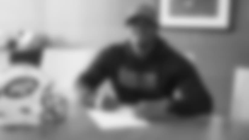 MK1_4223-mcguire-signing.jpg