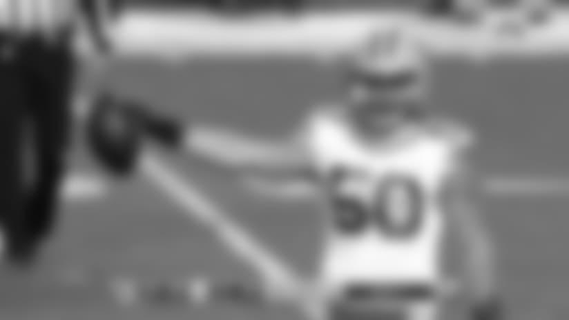 Packers LB Blake Martinez recovers the fumble