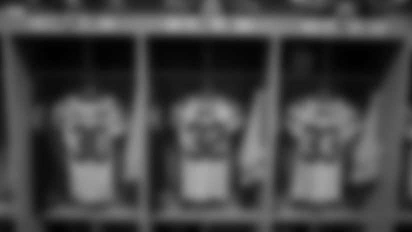 Inside the Packers' locker room in Denver