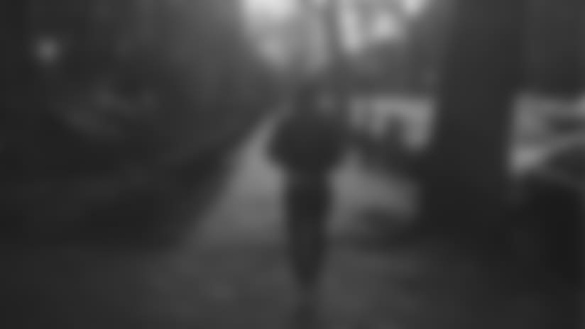 julianedelman-walking-boston-street603x323px.jpg
