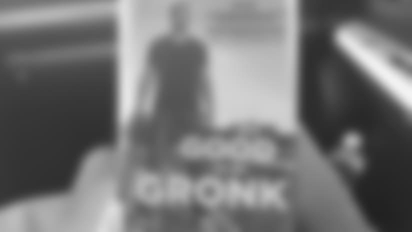 reddit-imgur-photo-of-gronk-book-603x323px.jpg