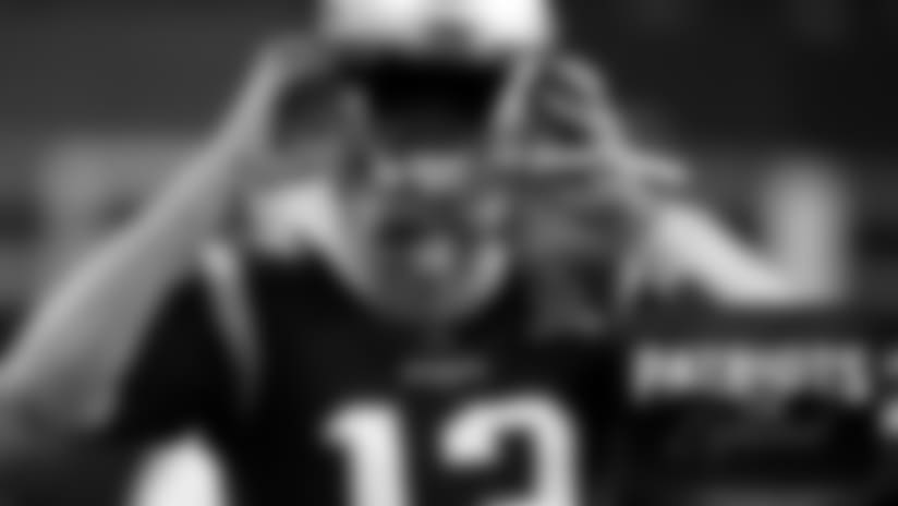 Brady-radio espanol.jpg