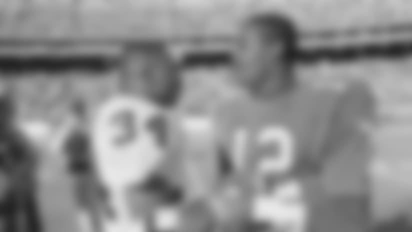 Through The Years: Raiders vs. Eagles