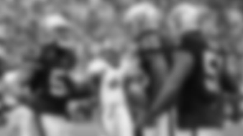 En Corto: Defensiva de Raiders Lazan Broncos