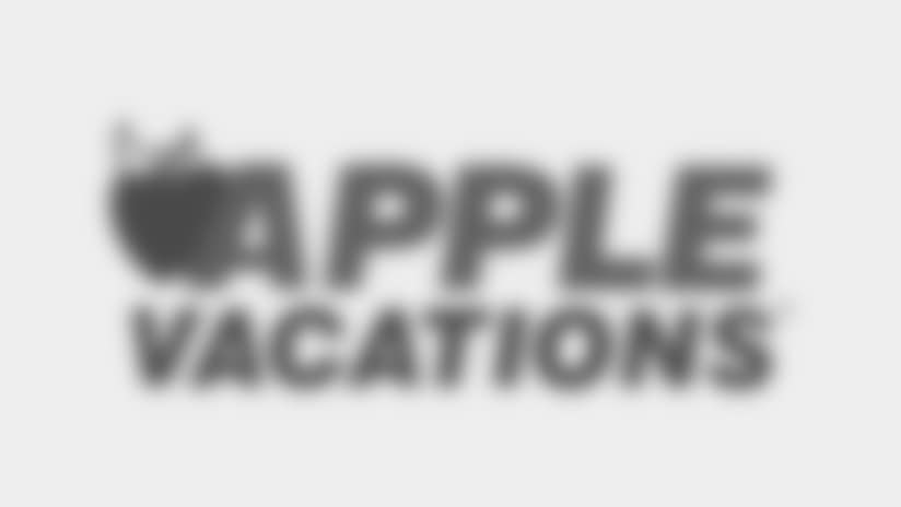 Cheerleaders Sponsors Logo Apple Vacations