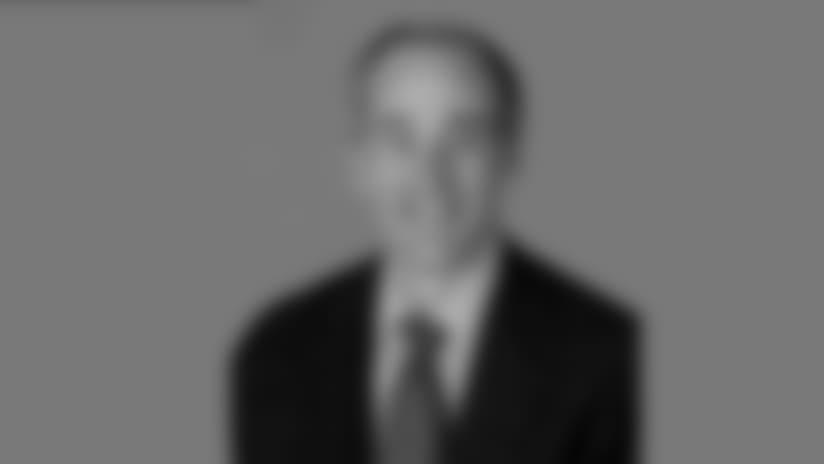 Headshot_Staff-Lang_2560x1440_040418