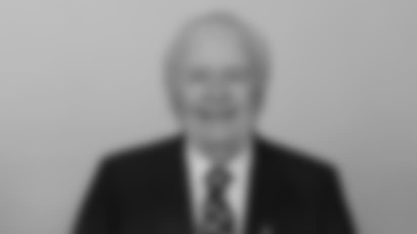 Headshot_Staff-Benson_2560x1440_040418