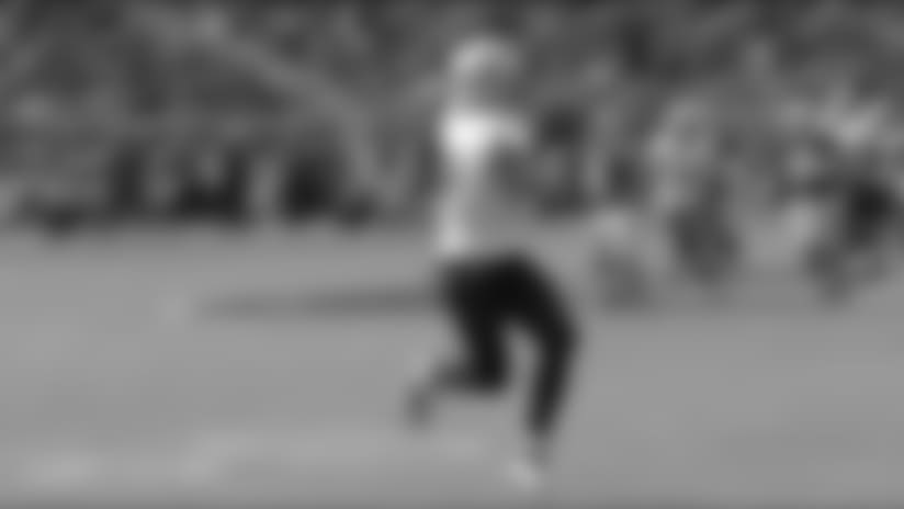 Drew Brees finds Josh Hill for 32-yard pickup