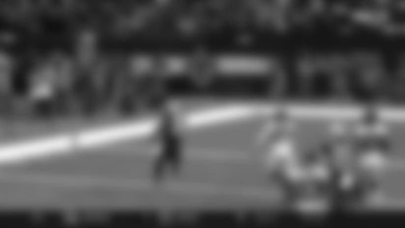 Mark Ingram goes untouched on 26-yard TD run
