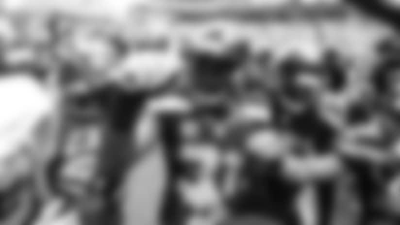 Seahawks S Kam Chancellor Named 2016 Steve Largent Award Winner