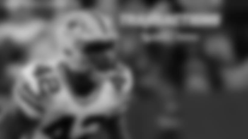 Los Steelers firman a Burnett