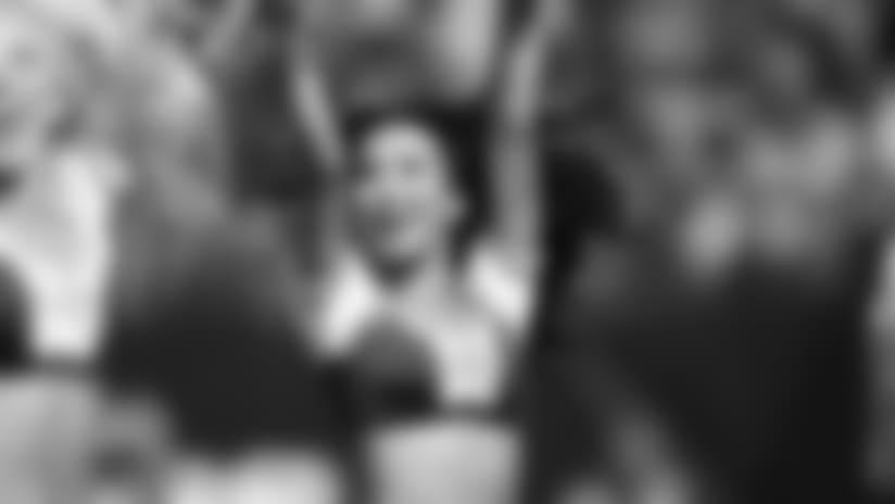 Cheerleader Photos - Nao