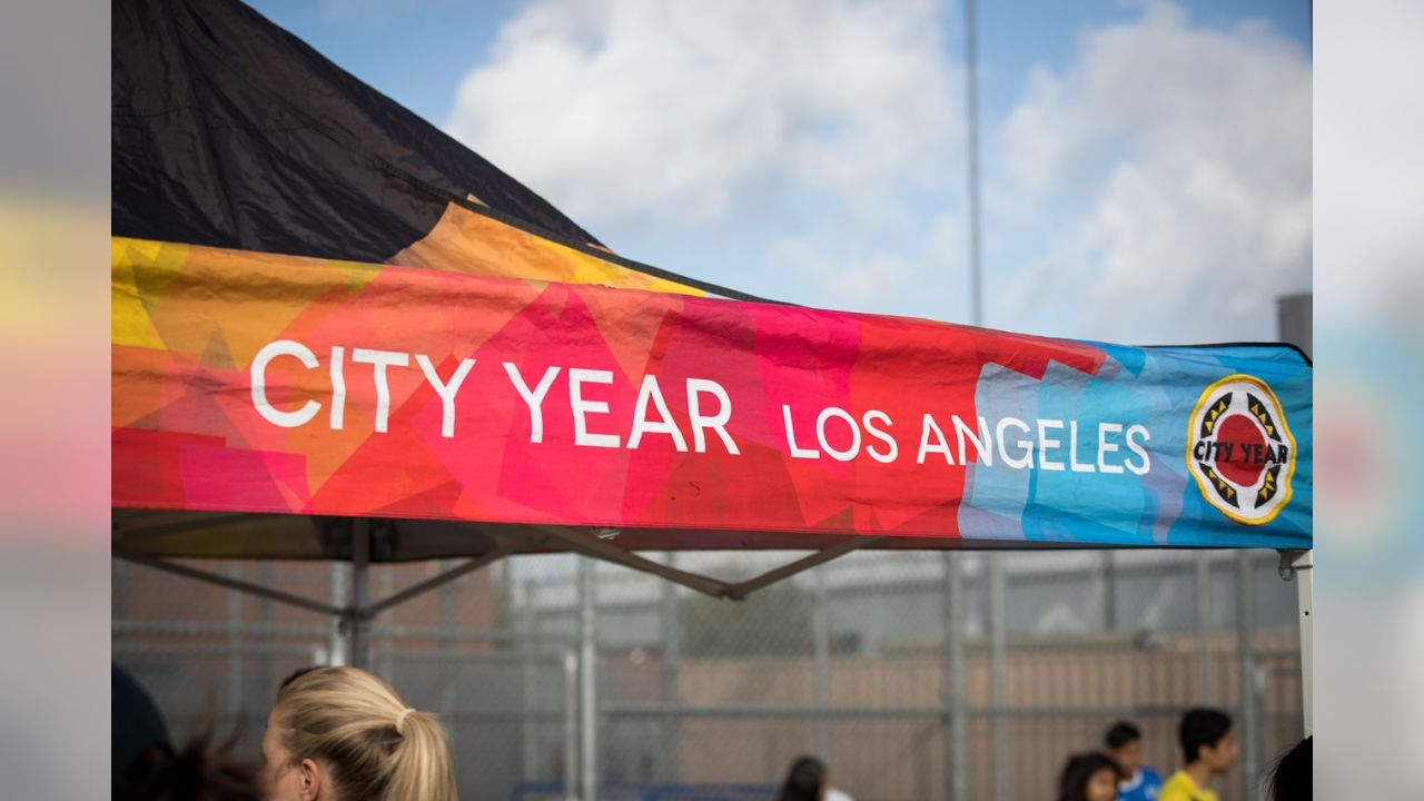 Rams Team Up with City Year to Beautify Dymally High School