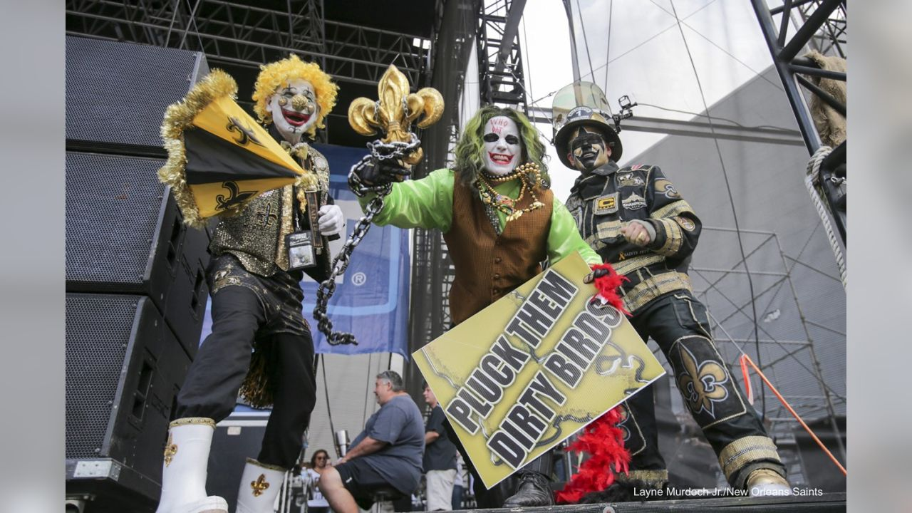 Best Of Saints Festive Fan Costumes