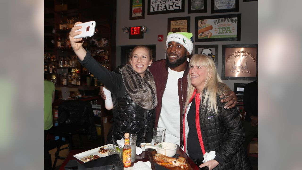 Seahawks Safety Kam Chancellor Hosts Fifth-Annual Holiday Toy Drive