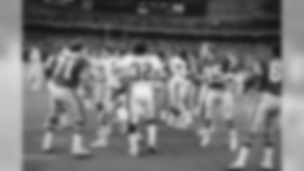 1982: Handshakes between the teams