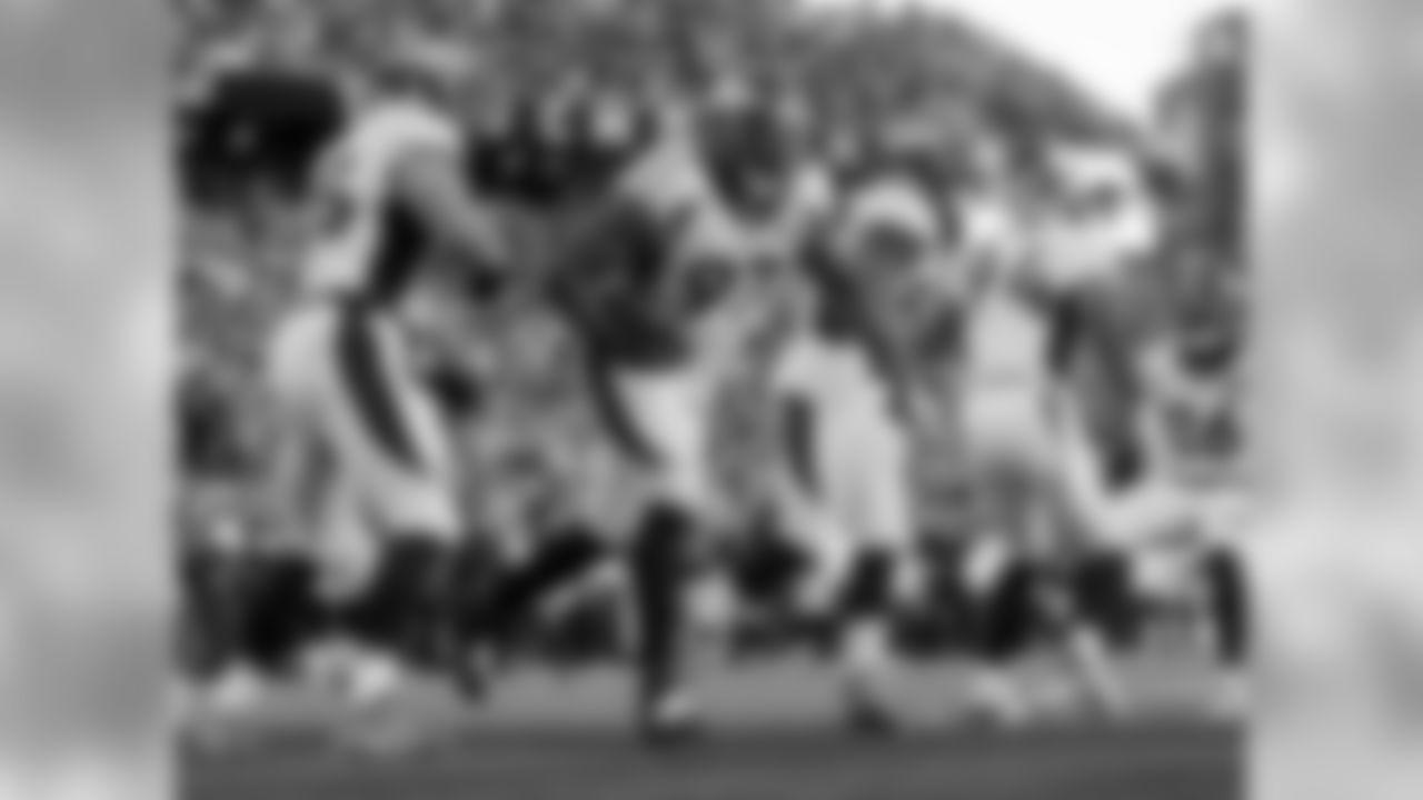 Broncos DL Malik Jackson (97)