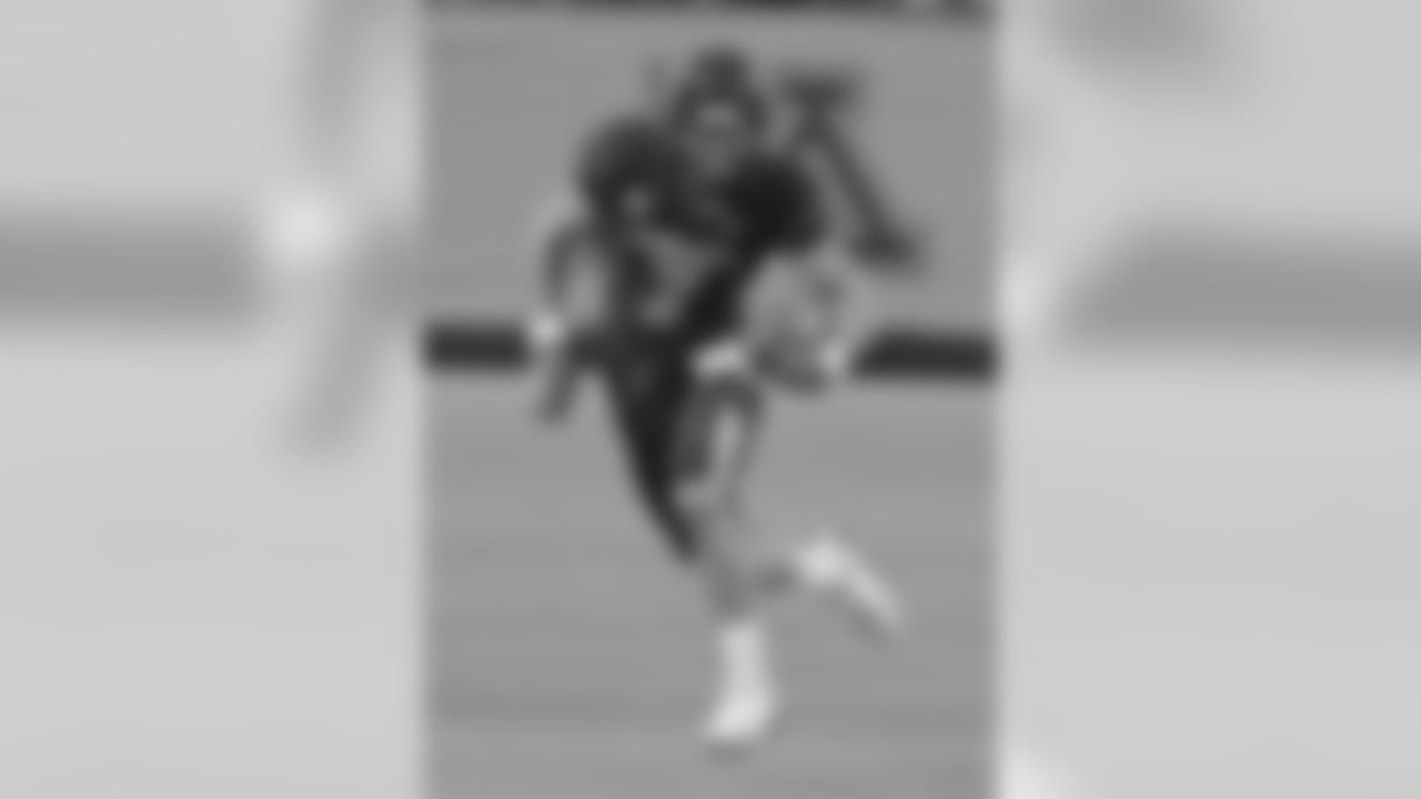 Decker set the University of Minnesota career record for receptions (227) and receiving yards (3,119). Of the 354 balls thrown his way, only three were dropped.