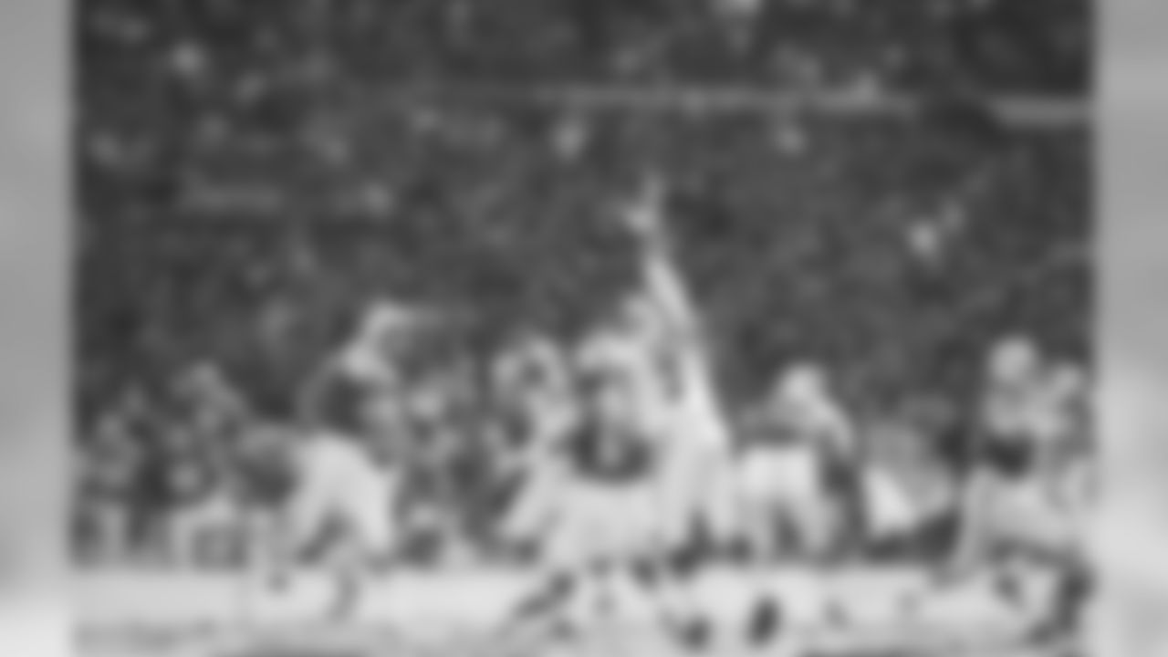 Hall of Fame QB Joe Namath throws the ball in a 33-23 loss vs. Buffalo on Sun. 10/30/66 at Shea Stadium. His first professional start came against the Bills one year earlier.
