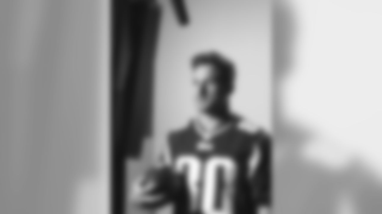 20150611-amendola-headshotday.jpg