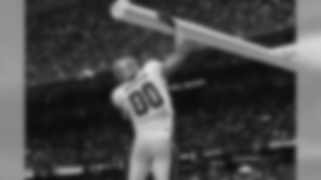 In his second season as a Saint, Graham led the team in receptions, yards, and touchdowns with 99, 1,310, and 11 respectively.