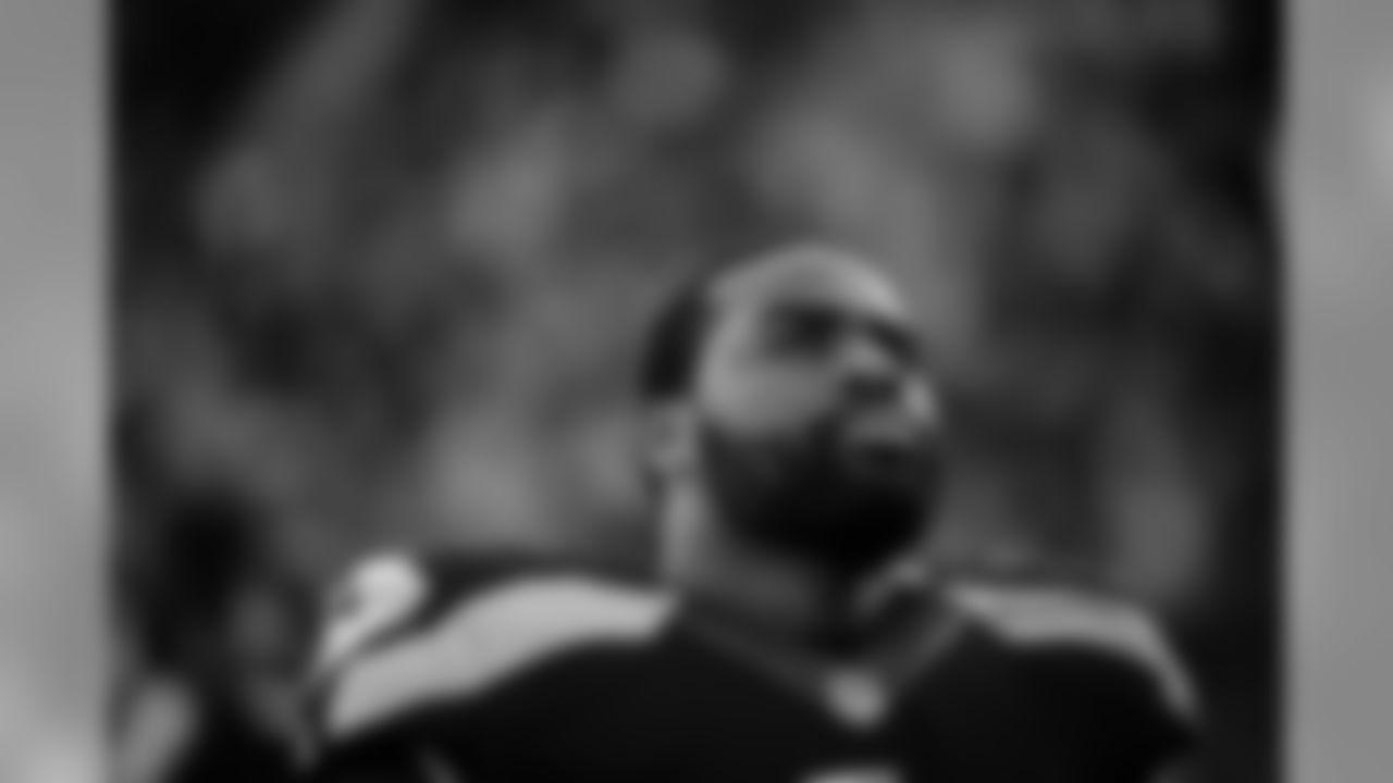 tempSeahawksSideline_vs_49ers-1.jpg