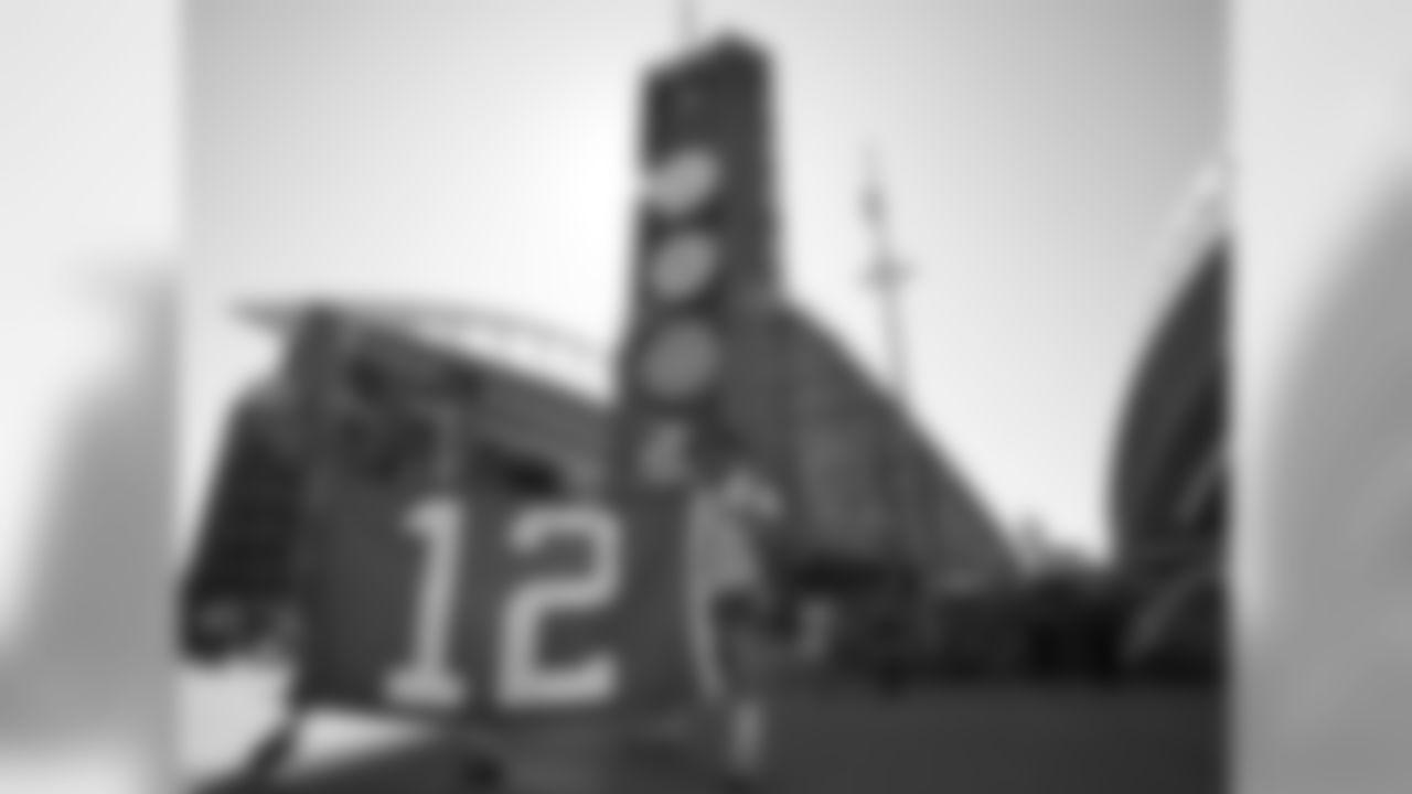 Week 2 - Seahawks vs 49ers Photos