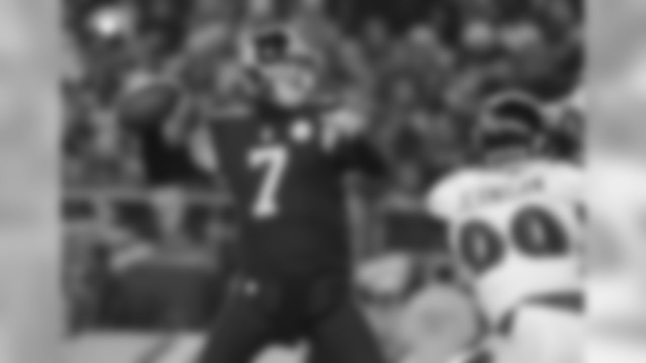 QB Ben Roethlisberger has completed 328 of 509 passes (64.4%) for 3,819 yards. Roethlisberger has thrown 29 touchdowns and 13 interceptions for a quarterback rating of 95.4.