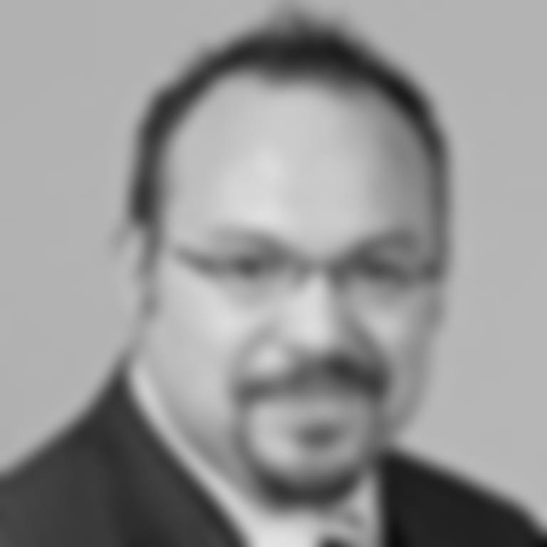 Headshot picture of Luis Moreno, Jr.