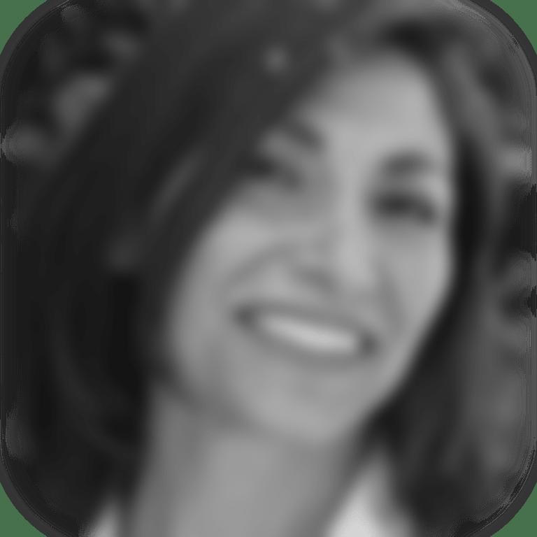 Headshot picture of Dr. Debra Foschi, Nutritionist