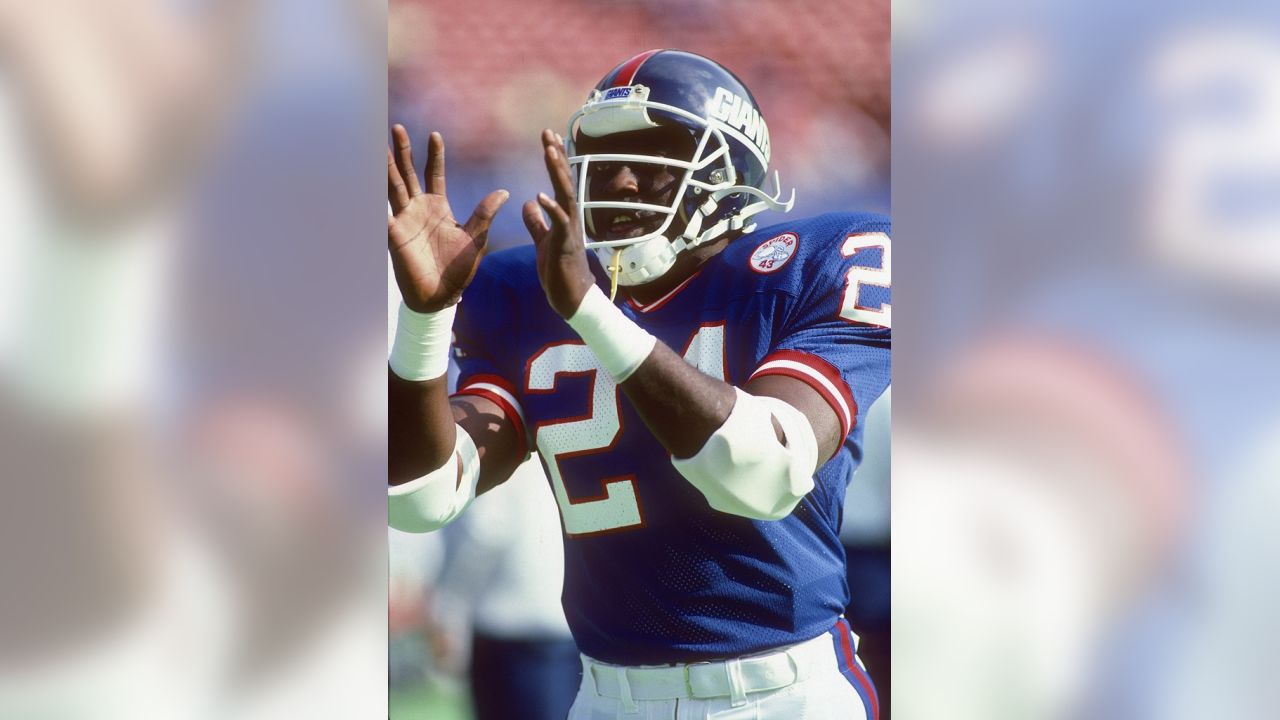New York Giants running back Ottis Anderson (24) catches a pregame pass  during the e745ebd61