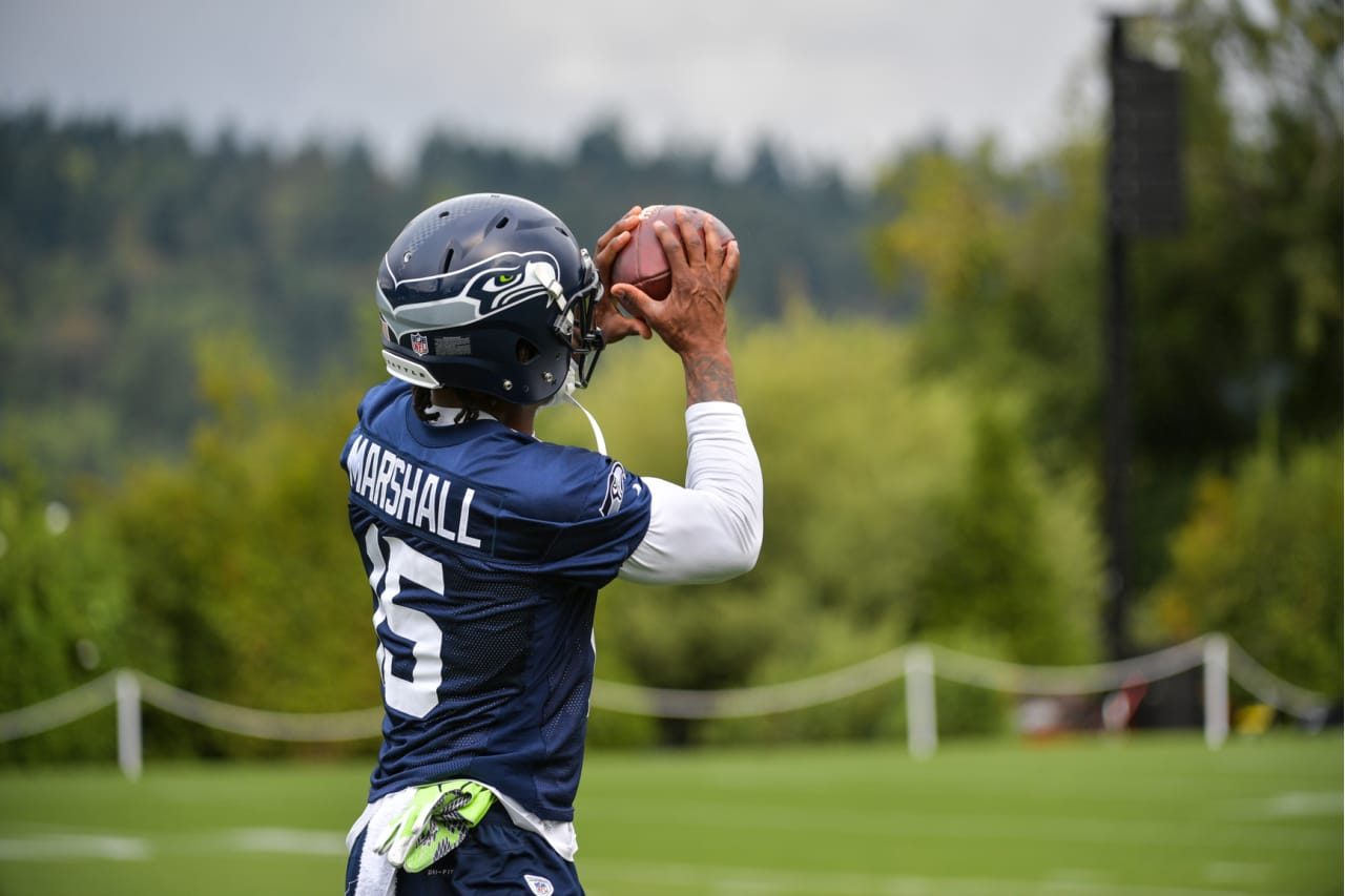 Seahawks.NET - The Voice of the 12th Man! • View topic - Brandon ... 06b3c3811