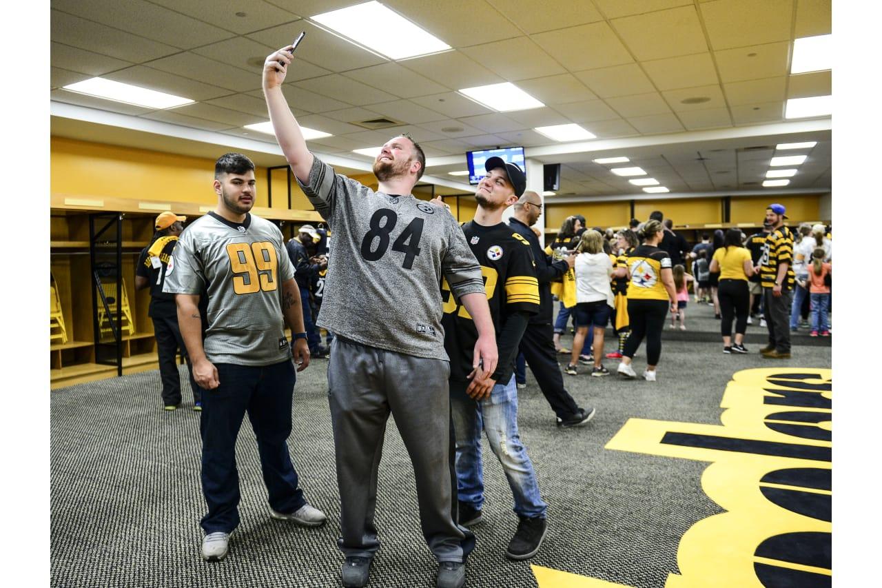 Steelers fan blitz pittsburgh steelers steelers 2017fanblitz0429to195 m4hsunfo