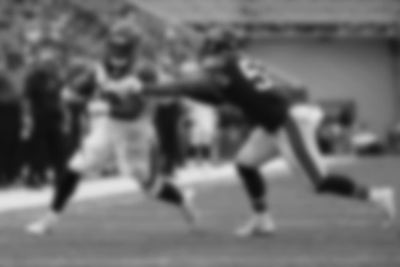 Cincinnati Bengals running back Joe Mixon (28) breaks away from Chicago Bears linebacker John Timu (53) on a touchdown run during the first half of an NFL preseason football game Thursday, Aug. 9, 2018, in Cincinnati. (AP Photo/Frank Victores)
