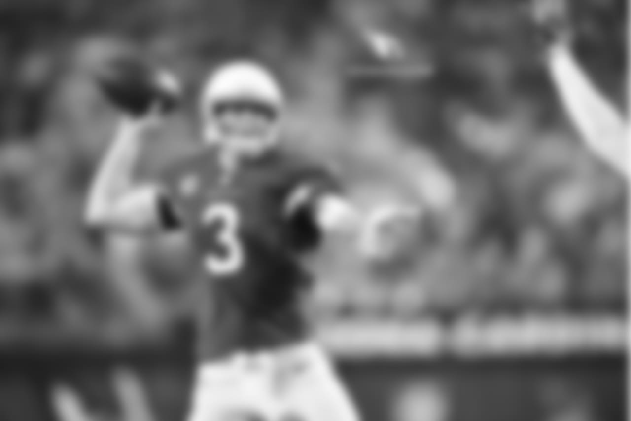 QB Carson Palmer: 164-of-267 passing for 1,978 yards, 9 TD, 7 INT