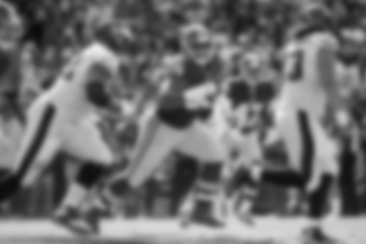 Washington Redskins defensive lineman Jonathan Allen (95) rushes during the game against the Philadelphia Eagles, Sunday, Sept. 10, 2017, Landover, MD. The Eagles defeated the Redskins 30-17. (Al Tielemans via AP)