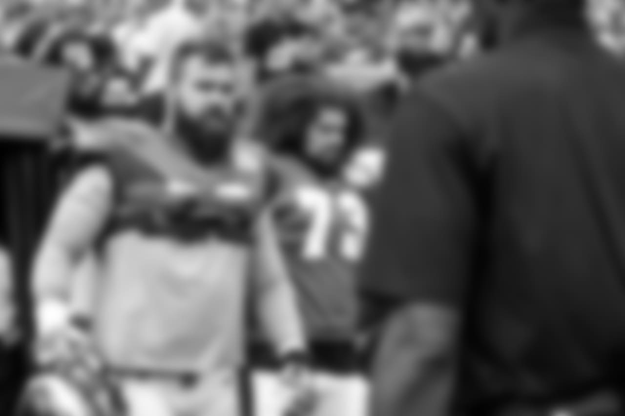 C Jason Kelce (left) and G Isaac Seumalo