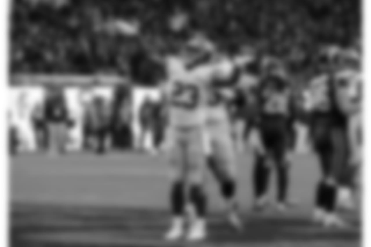 RB RASHAD JENNINGSAfter dealing with a thumb injury for the last few weeks, Jennings scored the lone offensive touchdown on Sunday on a one-yard run. The score proved to be the game-winner after it gave the Giants the lead with 9:23 to play.
