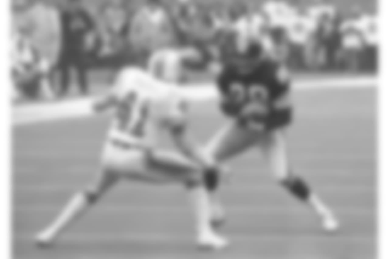 10. Lynn Swann (1974-82) - 739 yards.