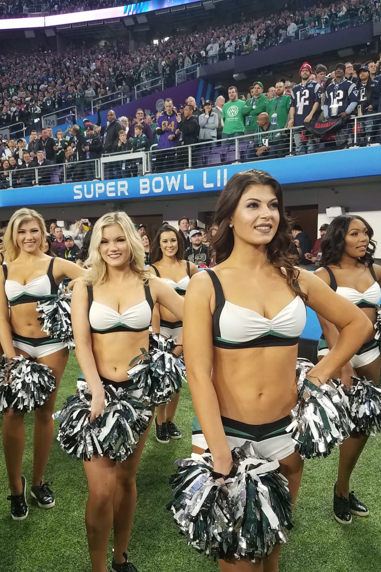 Philadelphia Eagles Cheerleaders a264e7ac0