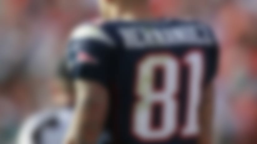 Patriots offer fans Aaron Hernandez jersey exchange